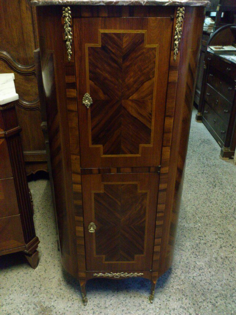 Stipo credenza arredamento mobili antiquariato musetti for Antiquariato mobili