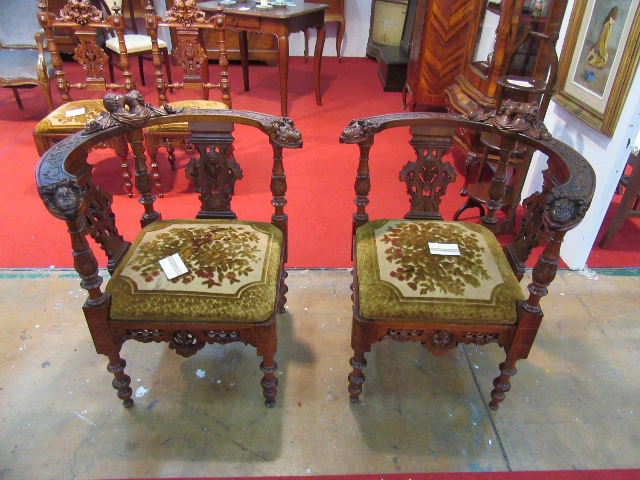 Divani poltrone sedie arredamento mobili antiquariato for Poltrone sedie