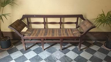 Divani poltrone sedie arredamento mobili antiquariato - Mobili luigi xvi prezzi ...