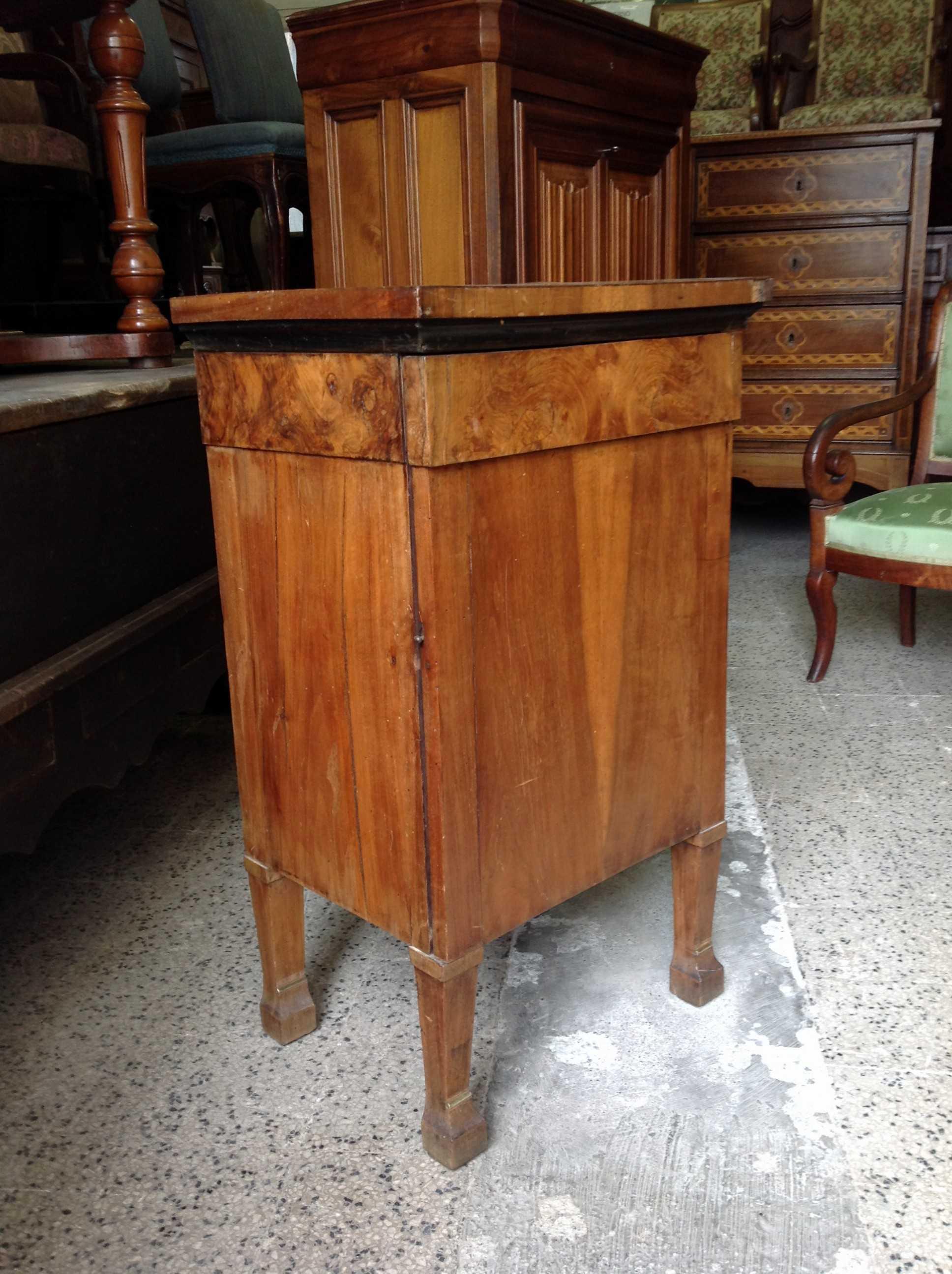 Comodino luigi xvi arredamento mobili antiquariato for Arredamento luigi xvi