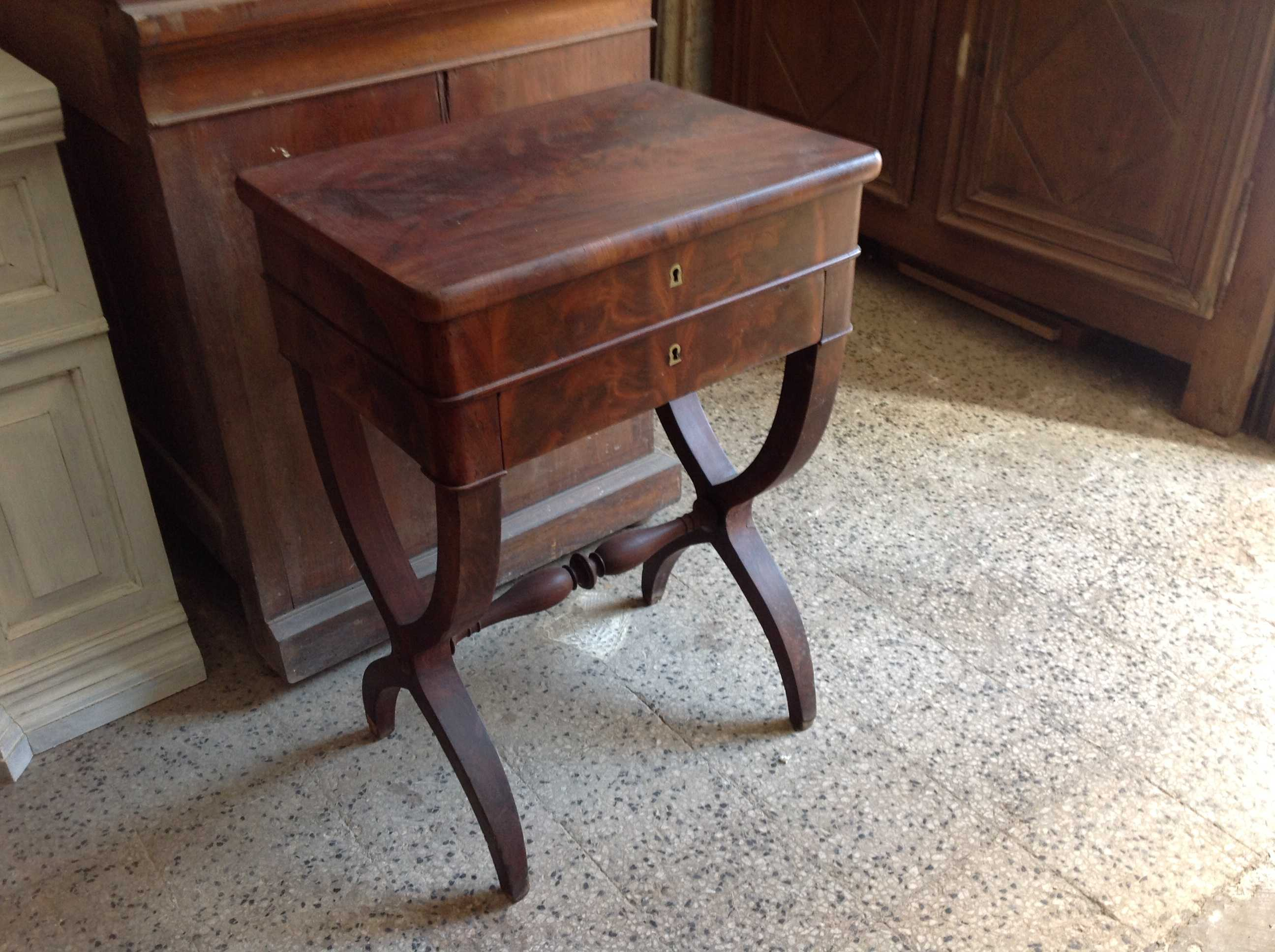 Vendita mobili bologna vendita soggiorni calenzano for Mobili antichi in vendita da privati