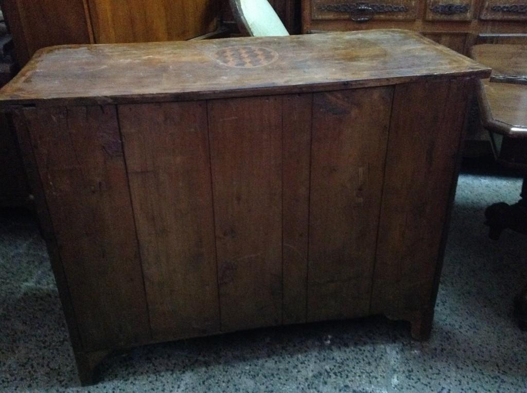 Schiena com arredamento mobili antiquariato musetti for Mobili antichi in vendita da privati