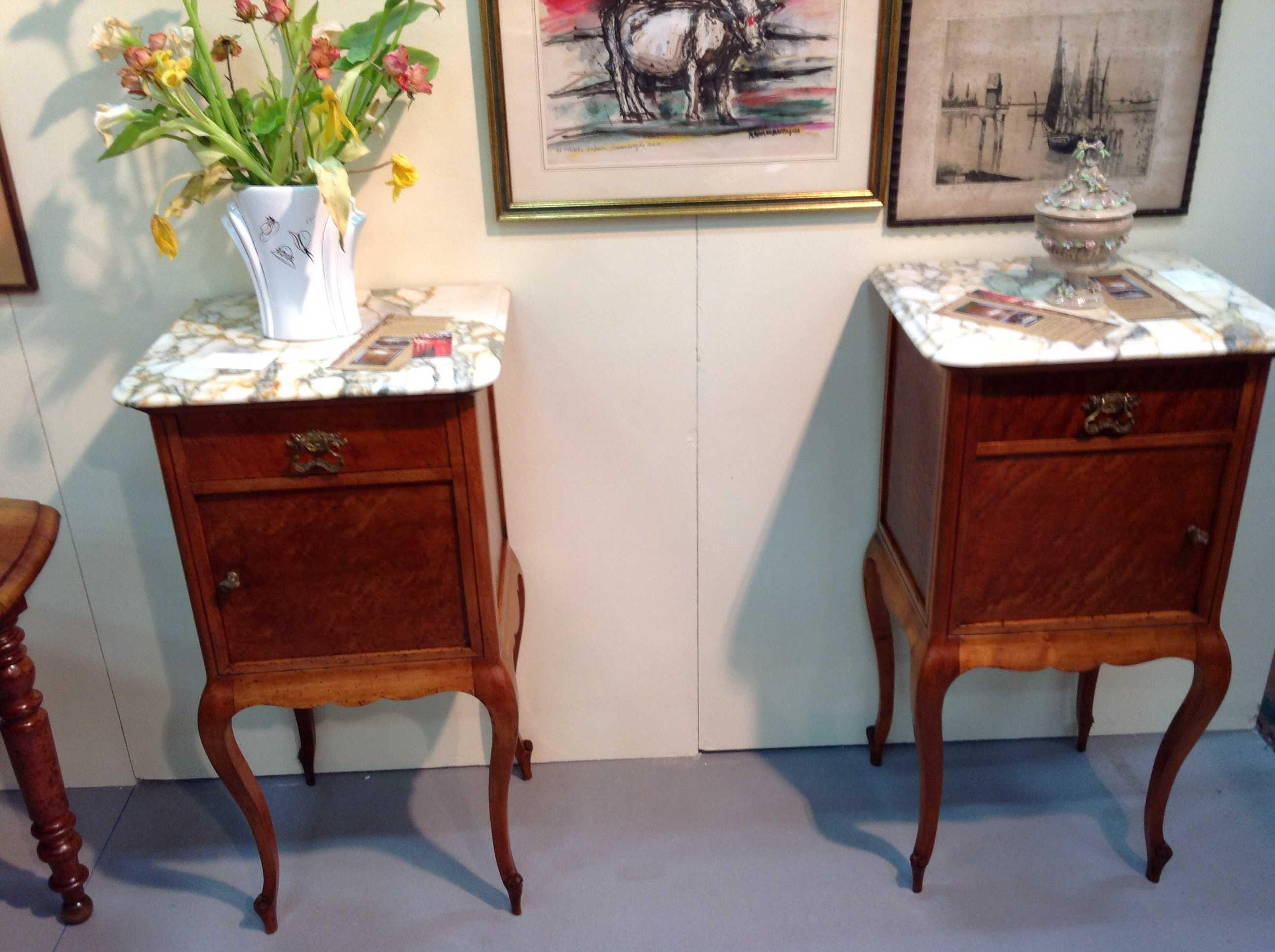 Coppia comodini arredamento mobili antiquariato musetti - Valutazione mobili usati ...