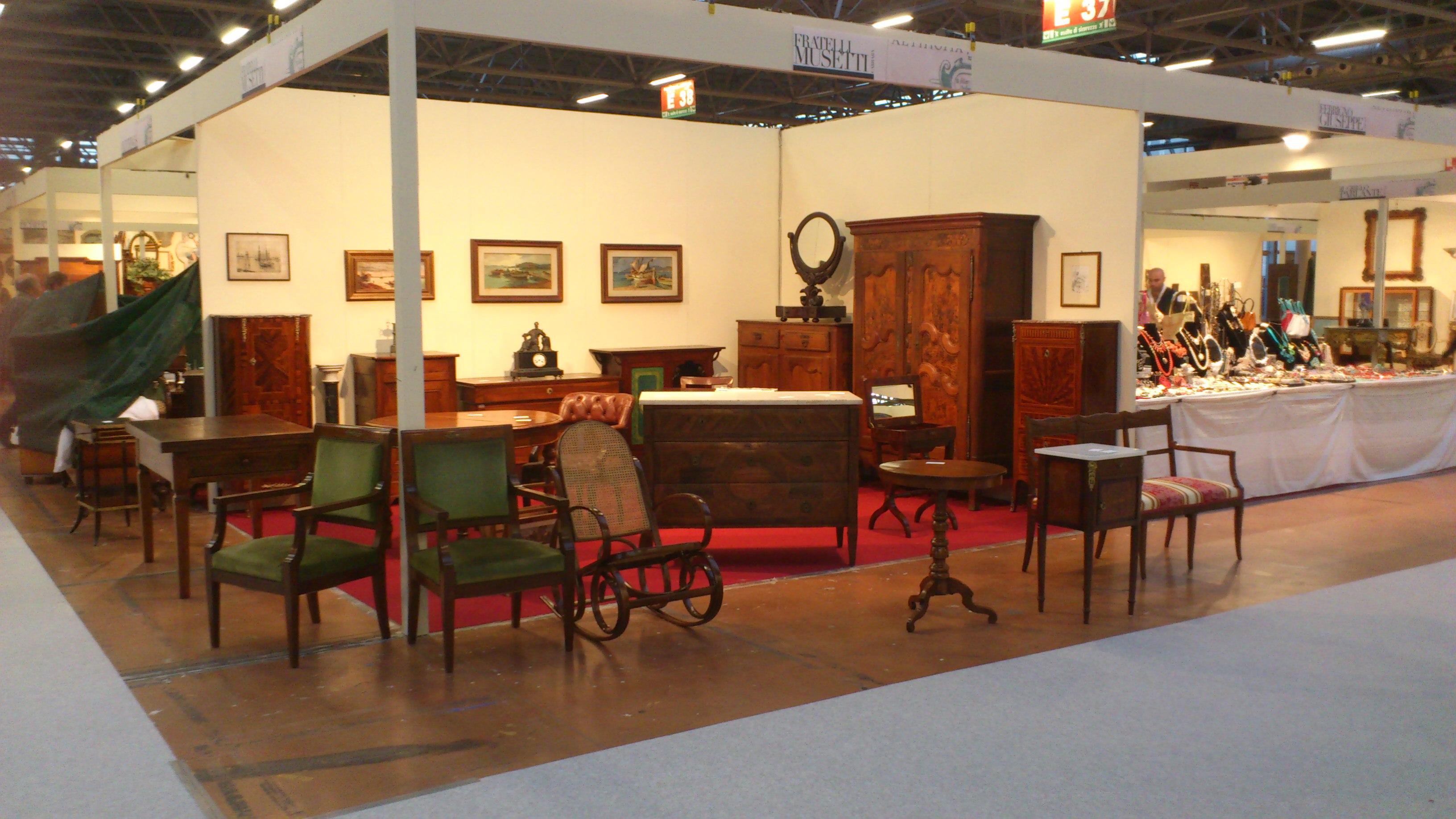 Chi siamo arredamento mobili antiquariato musetti for Vendita mobili in stile
