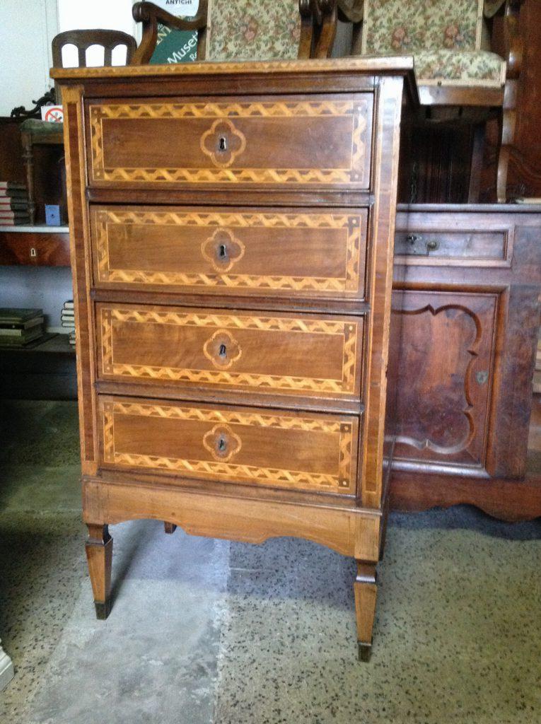 Cassettiera luigi xvi arredamento mobili antiquariato musetti - Riconoscere mobili antichi ...