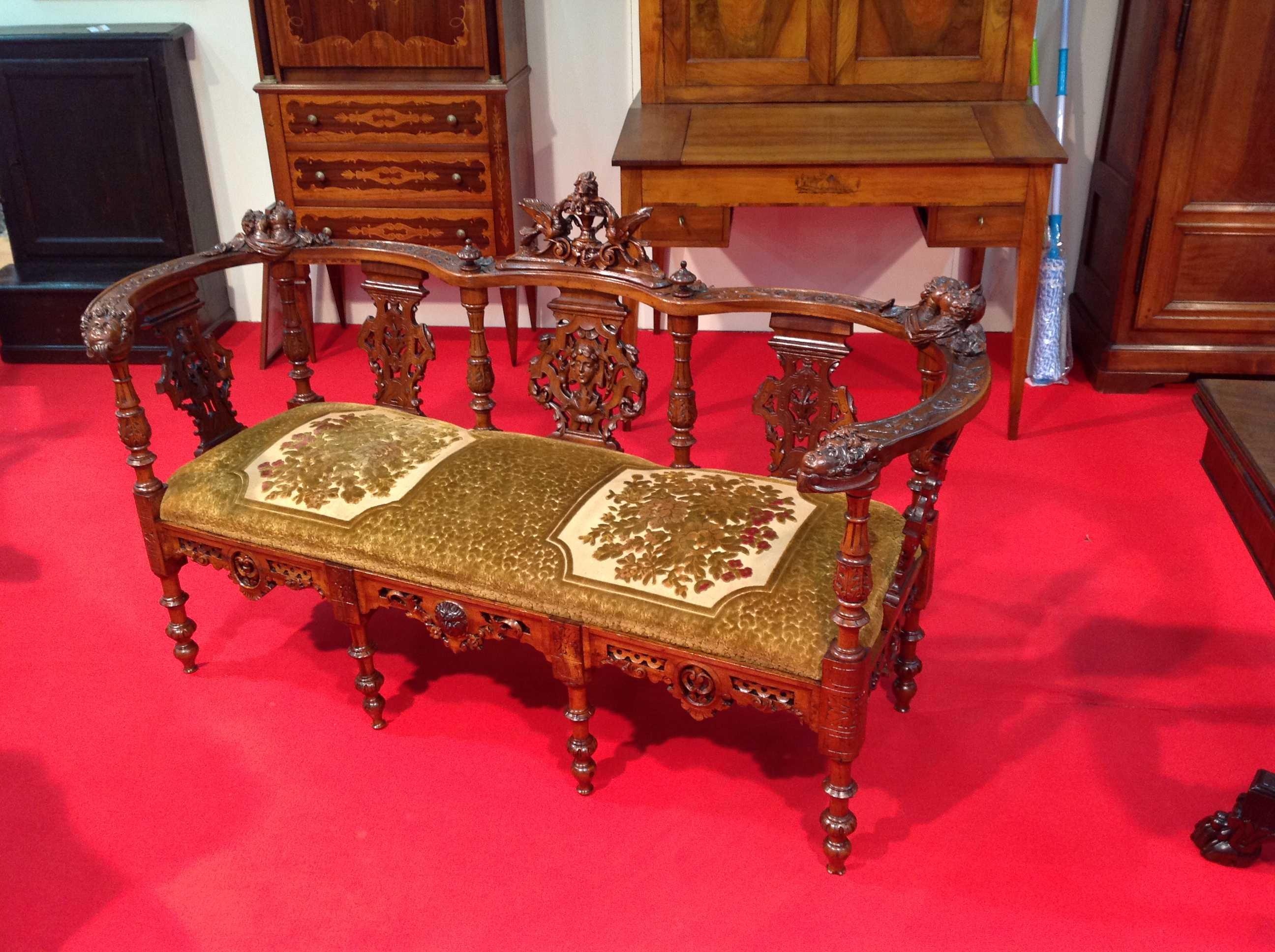 Divano stile eclettico arredamento mobili antiquariato for Arredamento stile eclettico