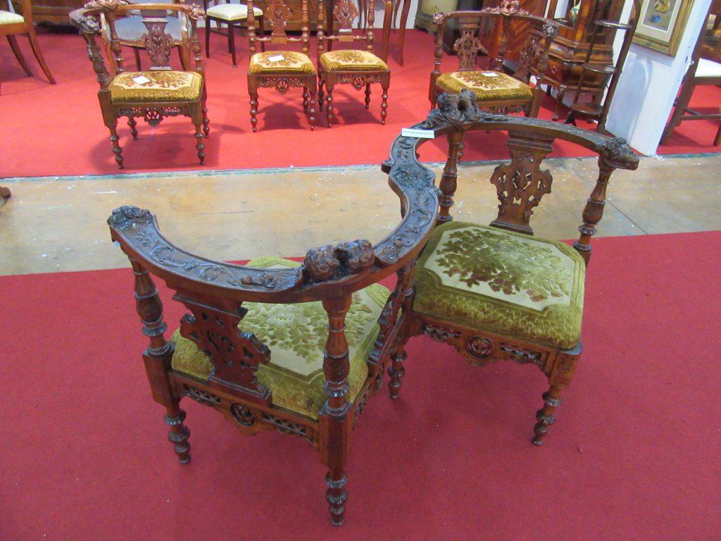 Divano t te t te arredamento mobili antiquariato musetti - Riconoscere mobili antichi ...
