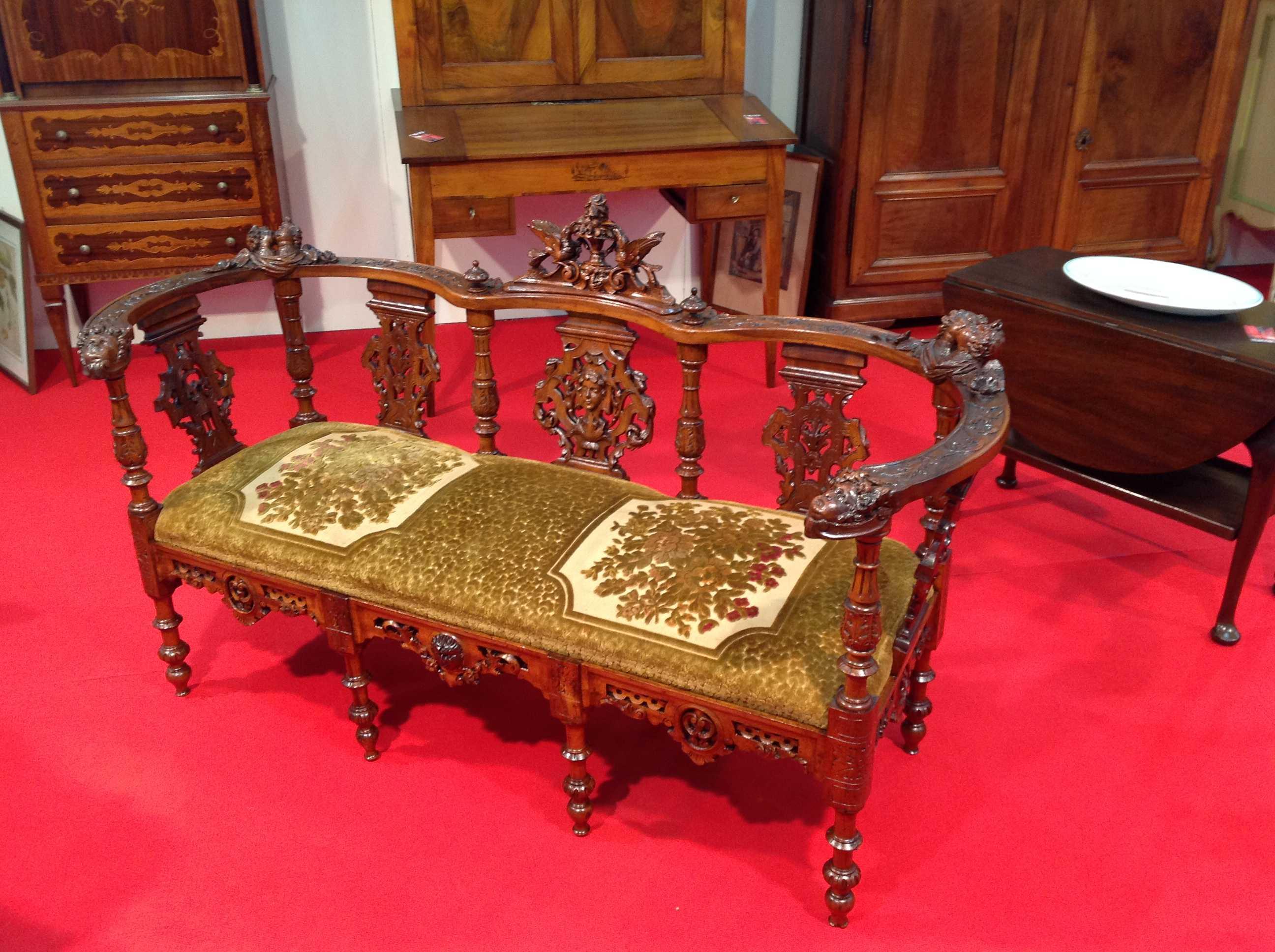 Divano intagliato arredamento mobili antiquariato musetti - Mobili di antiquariato ...