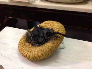 cappello antico signora