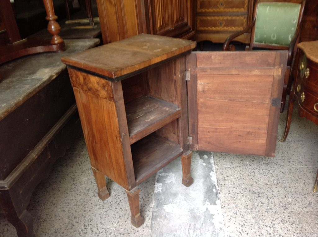Comodino arredamento mobili antiquariato musetti - Riconoscere mobili antichi ...