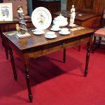 tavolo scrittoio Luigi Filippo, Piemonte , fine 800, in legno di pioppo massello , restaurato